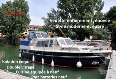 Vedette bateau fluvial et mer