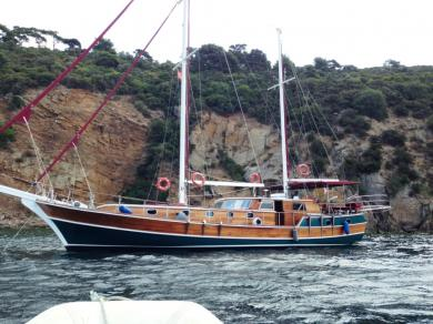 Yacht kecht en bois de 22m tout équipé et aménagé pour de confortables croisieres