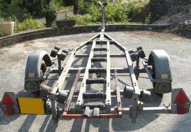 Remorque Satellite pour bateaux de 4 à 6 mètres