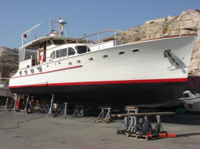 TRES RARE MOTOR YACHT   AMARRE POSSIBLE